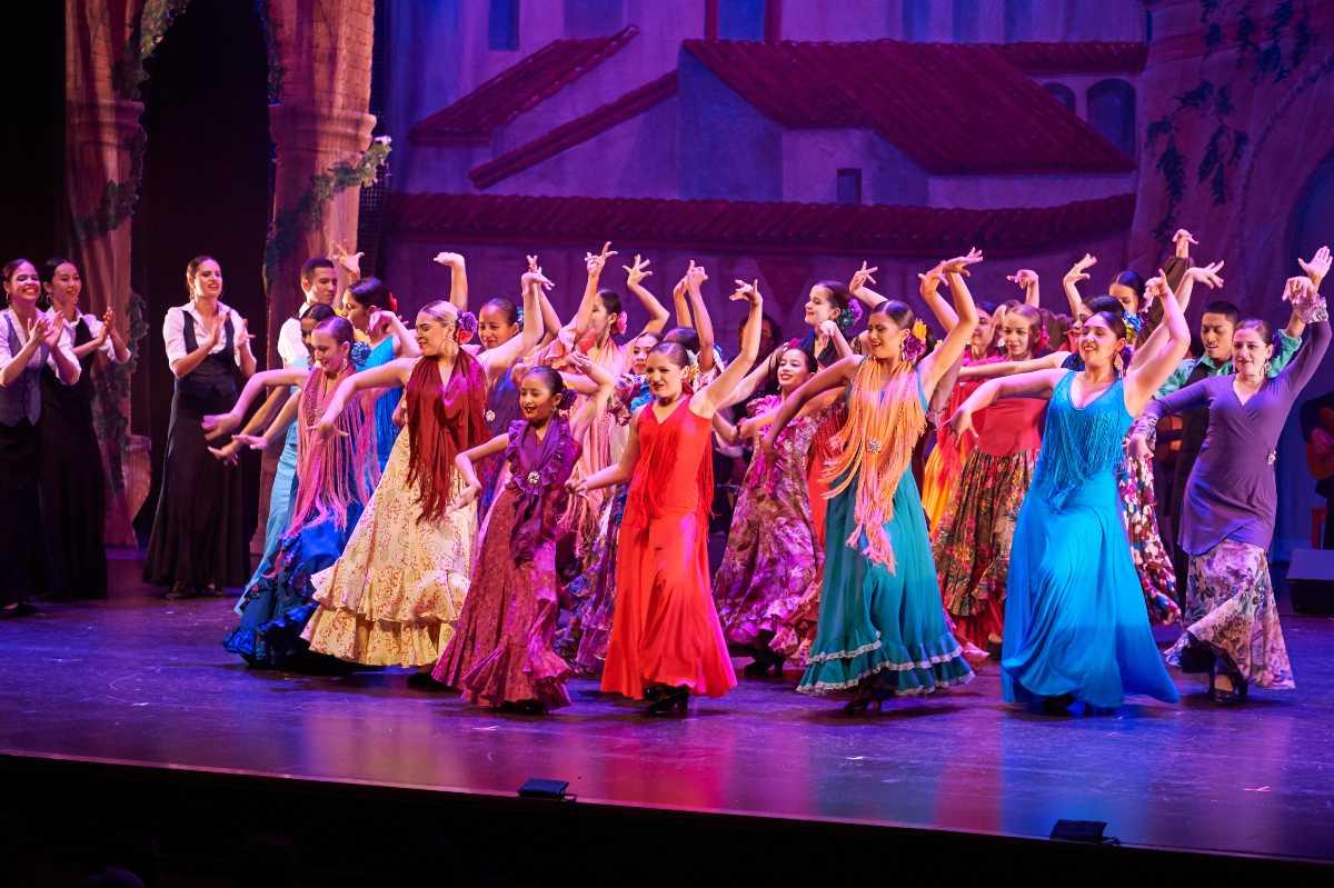 "Ensemble Español will perform ""Concierto Navideño"" on Dec. 16 and 17 in the auditorium."