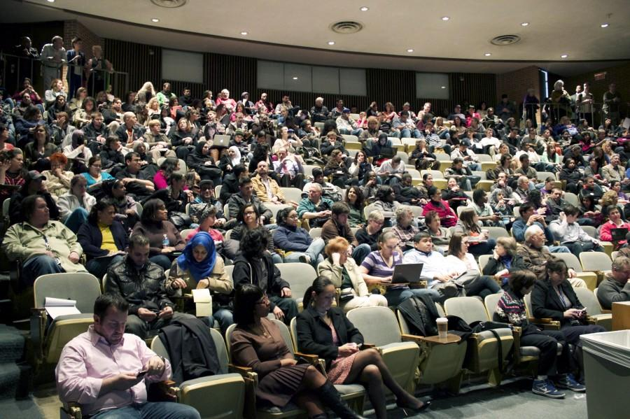 NEIU+students+turn+out+in+droves+to+hear+Karen+Lewis+speak++-+Photo+by+Emily+Haddad