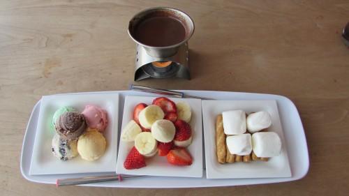 Outdoor Café: A Summer Dessert Destination