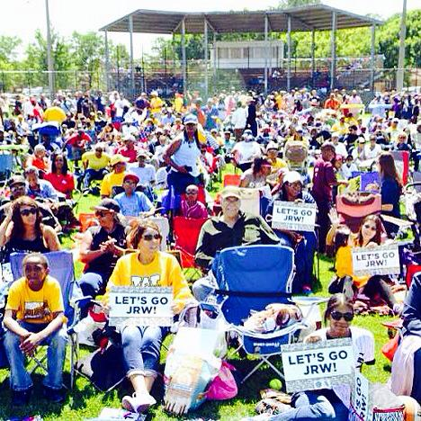 Jackie Robinson West watch parties, which have been hosted by the Chicago Park District and White Sox, have drawn hundreds of fans each game