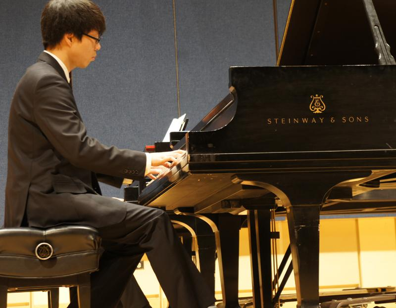 Zen Hsu on Piano.