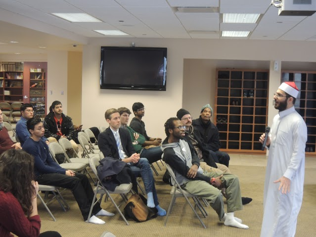 The Imam of the Bridgeview Mosque Foundation, Sheikh Ahmed Arufat, answered questions from curious NEIU students.