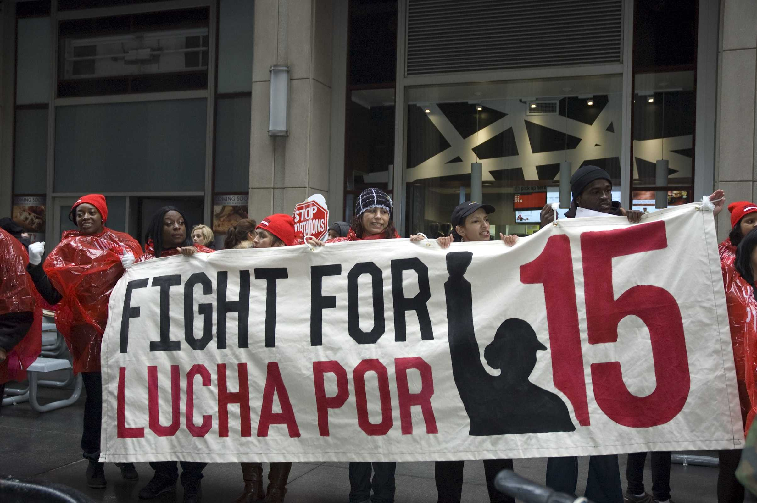 Citizens rally in support of minimum wage increase