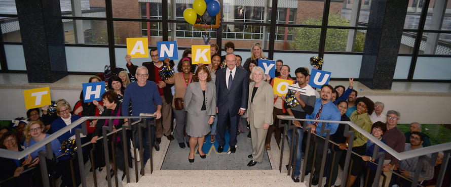 Daniel+L.+Goodwin+stands+alongside+faculty%2C+staff+and+students+at+the+landing+of+the+President%27s+Office.