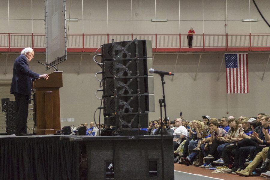 Senator+Bernie+Sanders+spoke+to+3300+people+at+North+Central+College+in+Naperville+on+Nov.+18.