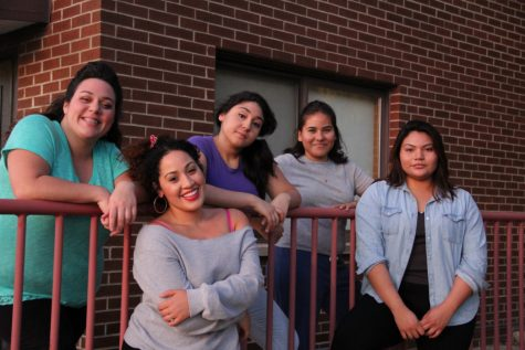 Review: NEIU's production of 'Real Women Have Curves'