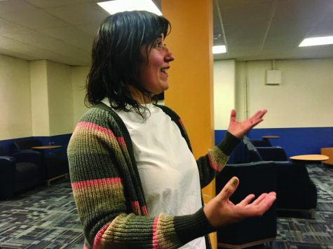 A Mexican journalist who worked in the Panama Papers speaks in NEIU