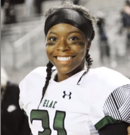 """""""Trailblazing"""" Toni Harris: the first woman to receive a four-year football scholarship"""
