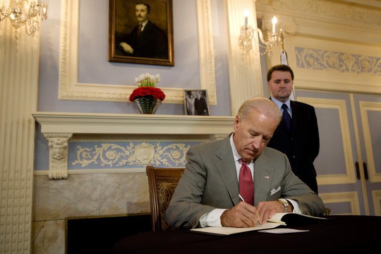 Billion Dollar Deal between President Biden and Former Ukrainian President Poroshenko